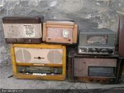 Куплю марки ,  значки на тему РАДИО ,  а также старые ламповые радиоприе