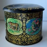 Жестяная коробка из-под чая. Индия. Примерно 1970 гг.